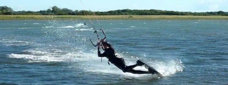 Kitesurfer darkslide