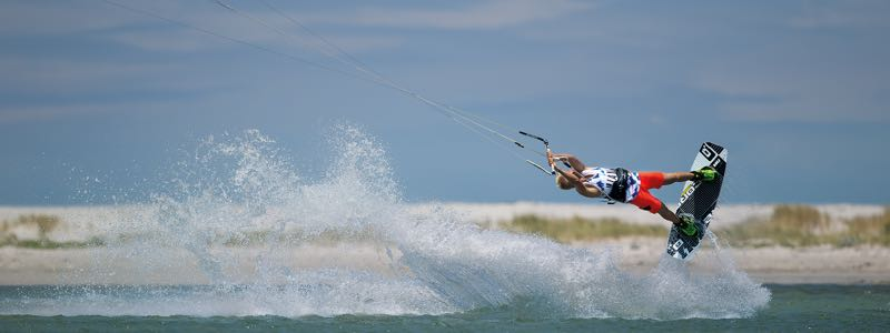 Bolt wakestyle kiteboard