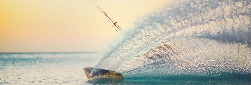 Oceana kiteboard. A collaboration between Len10 and Lieuwe - 35 KNOTS