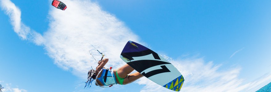 Kiteboard pads and straps