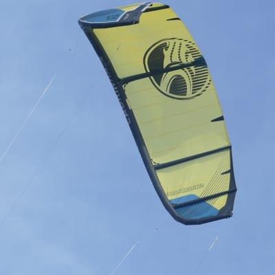 kite blijft in hoek hangen