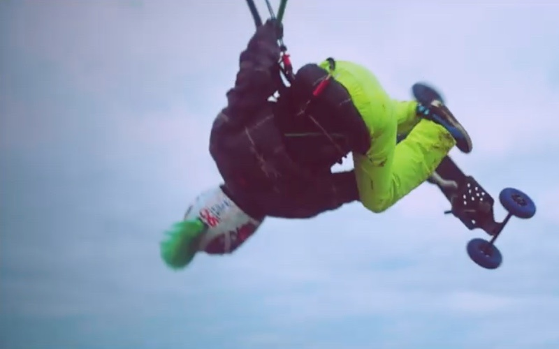 Epic kite land boarding session Ijmuiderslag