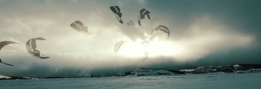 Zonsondergang snow kite sessie
