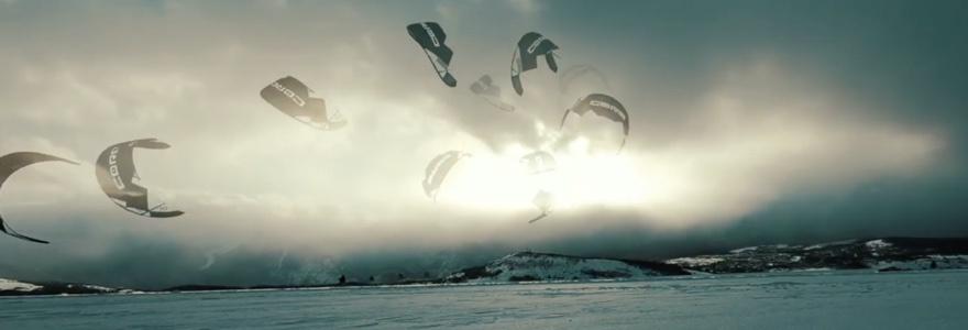 Zonsondergang snow kite sessie
