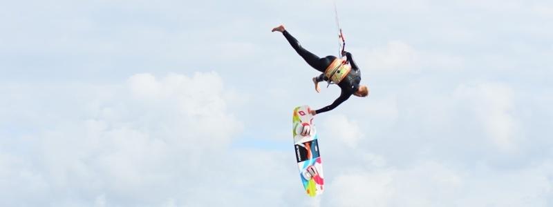 Board off tijdens het kitesurfen