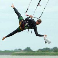 Board Off old school kitesurfing trick. - 35 KNOTS